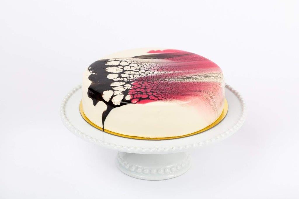 עוגת מוס פסיפלורה ואינסרט פטל מתוך סדנת הרבעייה המנצחת